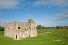 Free Castle In The Country Royalty Free Stock Photography - 17272327