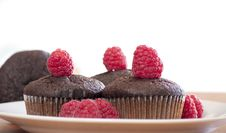 Free Brown Muffins With Raspberry Stock Photography - 17275222