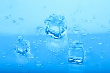 Free Ice Cubes Royalty Free Stock Photos - 17275368