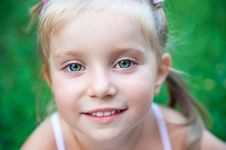 Free Pretty  Liitle Girl  Close-up Stock Photos - 17276023