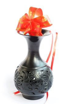 Free Black Vase With Artificial Flowers Royalty Free Stock Images - 17277689