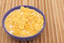 Free Cornflakes With Milk Royalty Free Stock Photo - 17283425