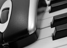 Free Piano Keys & Mouse Stock Photos - 17284623