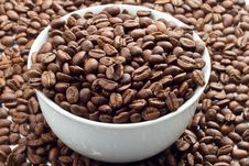 Free Coffee Beans In Bowl Royalty Free Stock Photo - 17286535