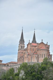 Free Peaks Of Europe Moutain Landscape At Covadonga Cathedral Stock Photography - 172876982