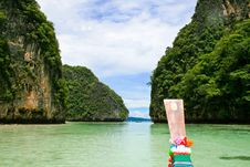 Free Maya Bay View From Long Tail Boat Royalty Free Stock Photos - 17292758