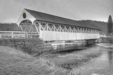 Free Old New England Covered Bridge In Duotone Black And White Stock Photo - 1730100