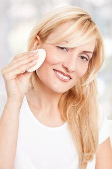 Free Beauty Woman Making-up Stock Image - 17301131