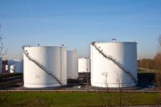 Free White Tanks In Tank Farm With Blue Sky Royalty Free Stock Photography - 17301897