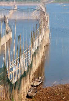 Free Isolated Fishing Nets Royalty Free Stock Images - 17302039