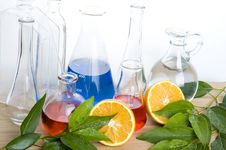 Free Laboratory Flask And Orange Royalty Free Stock Images - 17303609