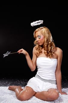 Free Cute Young Angel Woman Try To Magic Royalty Free Stock Images - 17307299