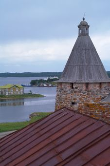 Free Towers Of Solovetsky Monastery Royalty Free Stock Photography - 17311787