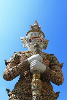 Free Giant Garuda Sculpture In Thai Temple Royalty Free Stock Image - 17321366