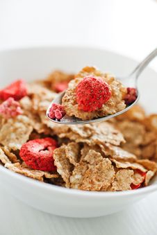 Free Corn Flakes With Dried Strawberry Stock Image - 17326331