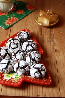 Free Chocolate Crinkles On A Plate Stock Image - 17327101