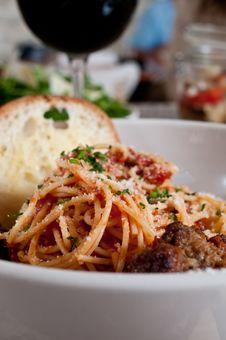 Free Spaghetti And Meatballs Royalty Free Stock Photos - 17328358