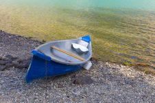 Free Boat Resting On Shore Royalty Free Stock Images - 17330109