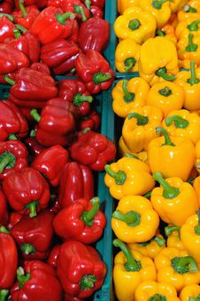 Free Red And Yellow Peppers Royalty Free Stock Photo - 17332075