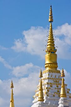 Free White Temple In Thailand Stock Images - 17337994