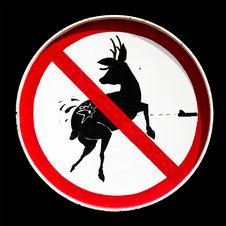 Free Do Not Hunt Animal Sign Stock Images - 17339024