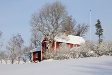 Free Red Cottage And Winter Landscape Royalty Free Stock Photos - 17339938
