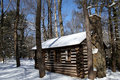 Free Colonial Log Cabin In Snow Royalty Free Stock Photo - 17341315