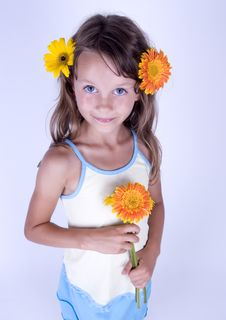 Free Little Girl With Flowers Stock Photography - 17340172