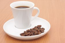 Free Coffee Cup And Grain Royalty Free Stock Photography - 17340787