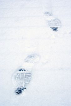Free Footsteps In Snow Royalty Free Stock Photography - 17341257