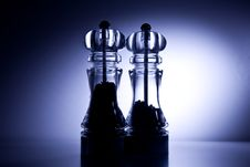 Free Salt And Pepper Mill Royalty Free Stock Image - 17342536