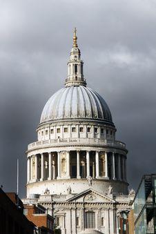 Free Moody St Paul S Royalty Free Stock Photos - 17347068