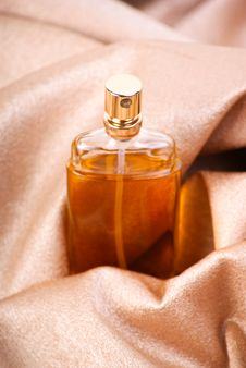 Free Perfume On Textile Royalty Free Stock Photos - 17348118