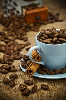 Free Composition Of Coffee Beans And Cup Stock Photos - 17353143