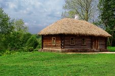 Free Ancient Russian Log Hut Royalty Free Stock Photo - 17353195