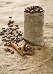Free Coffee Grains In Bag With Cinnamon Stock Photos - 17357053