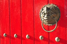 Free Lion Head Door Handle Royalty Free Stock Photo - 17357675
