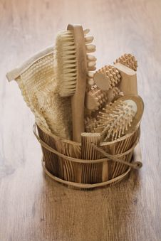 Free Wooden Bucket For Bathing Stock Images - 17358034