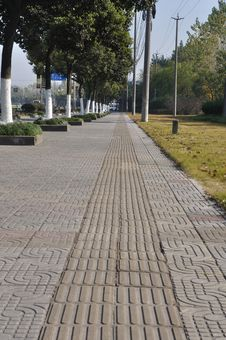 Free Sidewalk  With Blind Aids Royalty Free Stock Images - 17359179
