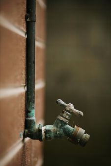 Free Old Water Valve Tap Stock Photo - 17359250