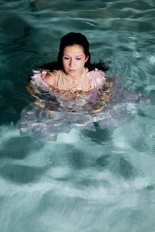 Free Standing In Water Serious Royalty Free Stock Images - 17367519