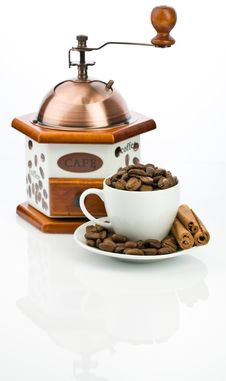 Coffe Mill And Cup With Beans Royalty Free Stock Image