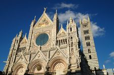 Free The Facade Of The Cathedral Of Siena Stock Photo - 17368850