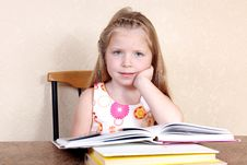Free Little Girl Reading Book Stock Image - 17373791