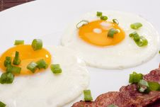 Free Fried Eggs Royalty Free Stock Photography - 17376047