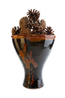 Free Ceramic Vase With Pine Cones Stock Images - 17377764
