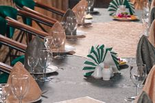 Free Napkins And Wine Glasses. Royalty Free Stock Images - 17378549