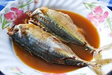 Free Mackerel Boiled Soup Asian Style Royalty Free Stock Photography - 17379937