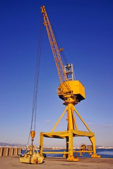 Free Dock Crane Royalty Free Stock Photo - 17381235