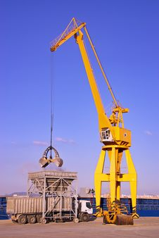 Free Dock Crane Stock Photo - 17381260